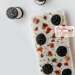 Oreo White Chocolate Bar - Signature Style