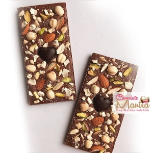 Roasted Mixed Nuts Chocolate Bar