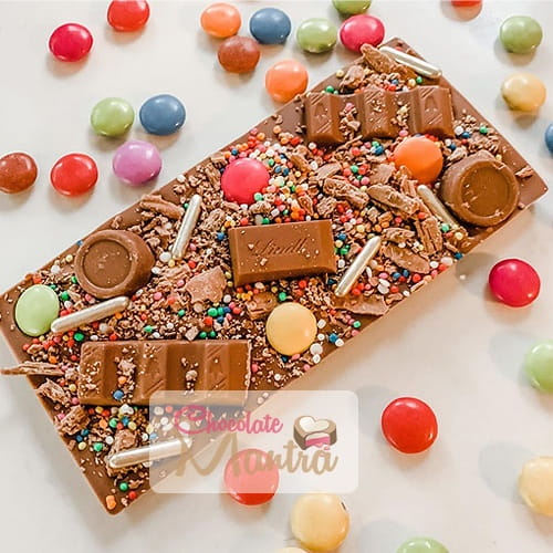 dry-fruit-nut-unique-decorated-chocolate-bar.jpg