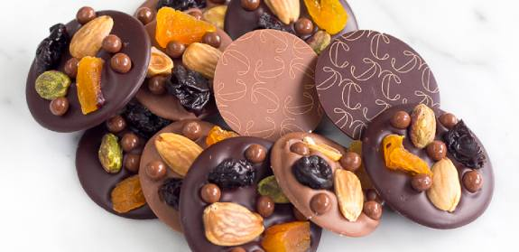 Check our French chocolate Mendiants collection